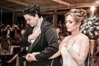 """Pastoras lésbicas Lanna Holder e Rosania Rocha se casam em cerimônia religiosa e rebatem críticas: """"Fariseus"""""""