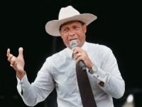 Apóstolo Valdemiro Santiago renegocia dívida de R$ 14 milhões e volta à Rede Boas Novas, afirma jornalista