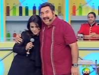 """Aline Barros canta e faz pregação ao público em sua participação no """"Boteco do Ratinho"""""""