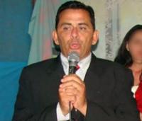 Pastor é assassinado com 10 tiros na frente da sua família após ministrar culto