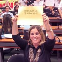 """Marisa Lobo faz alerta sobre """"ideologia de gênero"""" no Plano Nacional de Educação"""