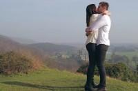 Vídeo de pedido de casamento feito a partir de versículos bíblicos emociona e se torna viral nas redes sociais; Assista