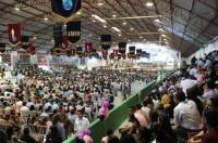 Abertura do Congresso dos Gideões reúne 50 mil pessoas e movimenta economia de Camboriú