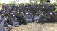Radicais muçulmanos dizem que converteram estudantes cristãs sequestradas ao islamismo e exigem libertação de terroristas