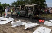 Ônibus que transportava crianças em excursão de igreja evangélica explode e mata 32