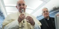 """Papa Francisco abre a possibilidade de discussão sobre o fim do celibato obrigatório: """"Não é um dogma"""""""