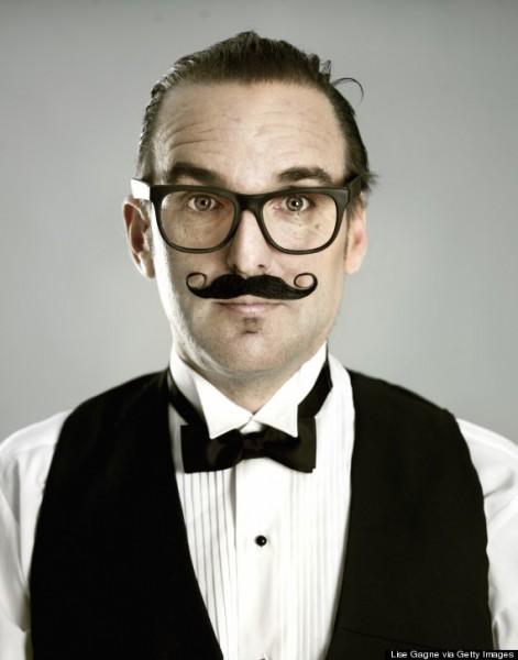 Neste estado, é ilegal usar bigodes falsos que provoquem risos durante os cultos