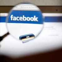 Página do Facebook causa polêmica por mostrar Maria abortando e fumando maconha