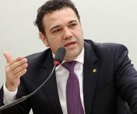 """Pastor Marco Feliciano critica aprovação da Lei da Palmada e afirma: """"Sem por limites, teremos crianças mimadas"""""""