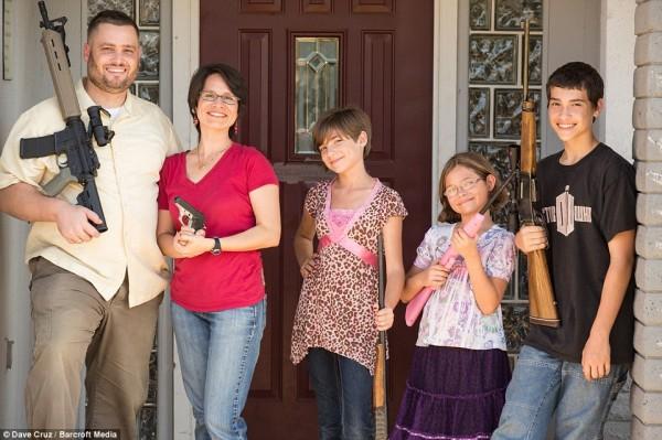 Pastor John Correia e sua família