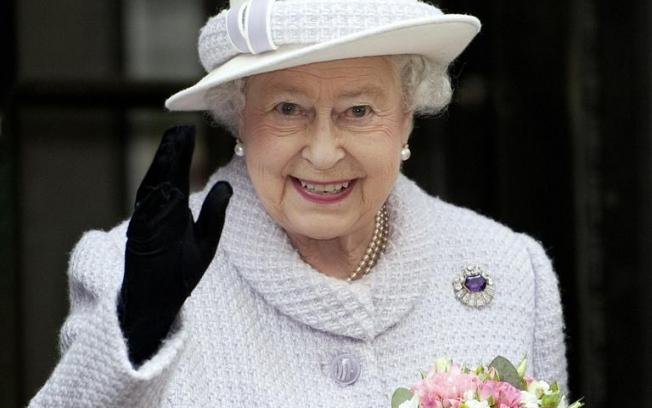 Resultado de imagem para rainha elizabeth II
