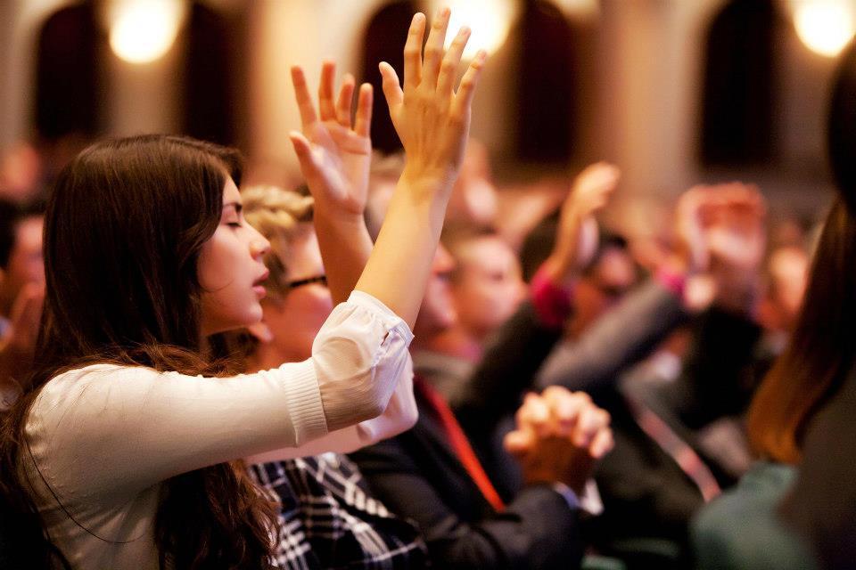Novo estudo reitera que pessoas que frequentam igrejas têm vida mais longa