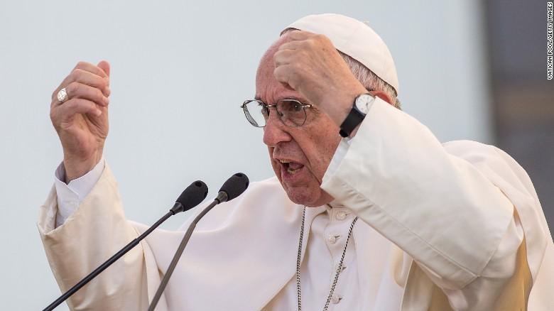 """Resultado de imagem para Papa Francisco alerta para não cair em armadilhas de satanás: """"Ele é inteligente, inverte as coisas"""