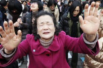 Policiais do regime comunista chinês invadem seminário cristão e prendem pastores