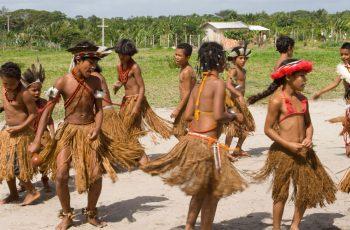 Projeto evangelístico inaugura igreja em aldeia indígena e supera barreira cultural