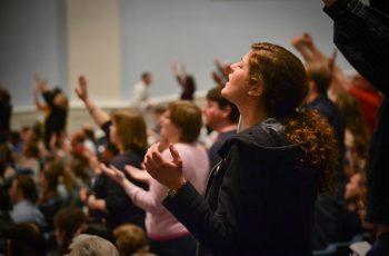 Perseguição: Igreja é proibida de realizar cultos em seu próprio espaço, nos Estados Unidos
