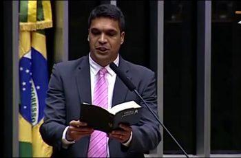 """Cabo Daciolo propõe lei que institui a """"Semana Nacional de Adoração a Deus"""", em janeiro"""