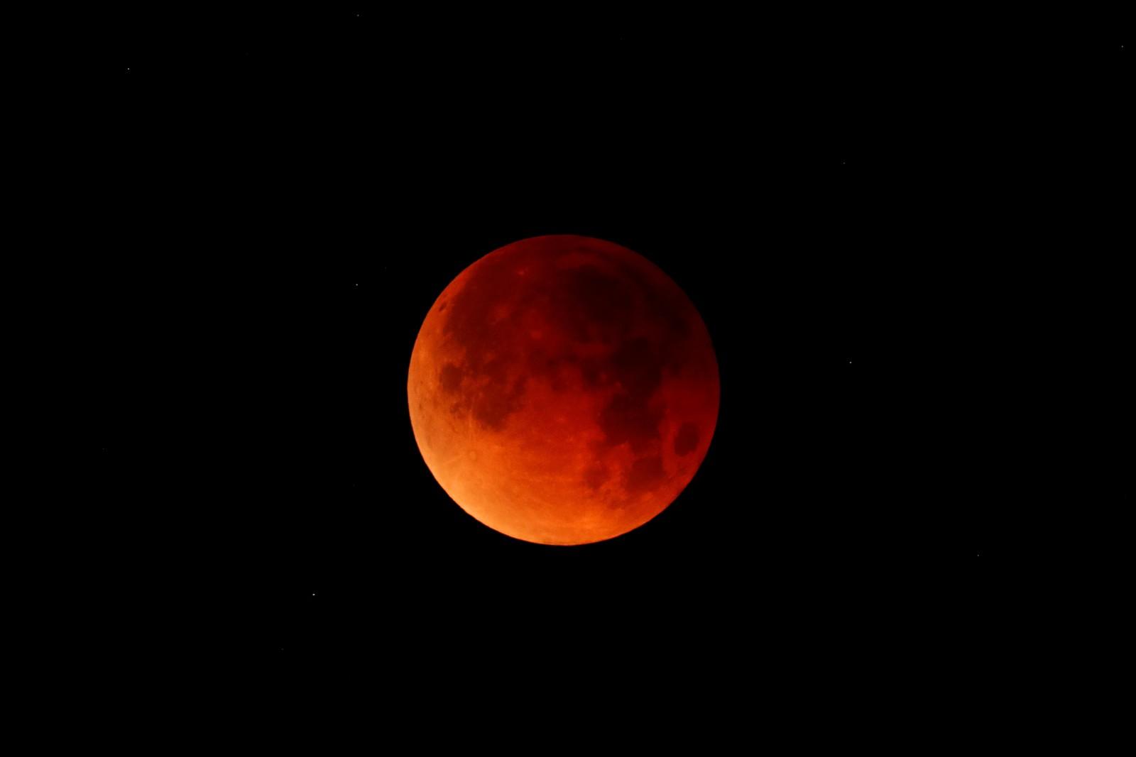 Nova Lua de Sangue reacende curiosidade sobre profecias