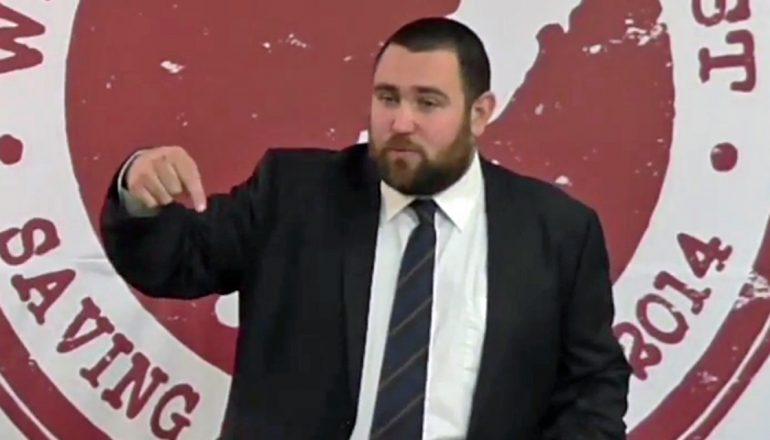 """Pastor é chamado de terrorista e preso após afirmar que o islã é uma """"falsa religião"""" V2-Logan-Robertson-YouTube-1120-770x440"""