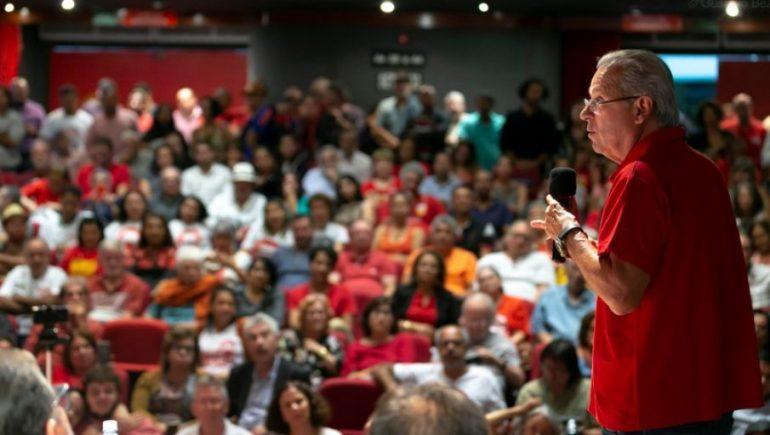 Evangélicos estão mais próximos do povo que nós, diz petista José Dirceu