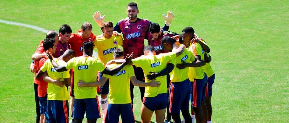 """""""Oramos como equipe e depois, em privacidade"""", diz jogador da Colômbia"""