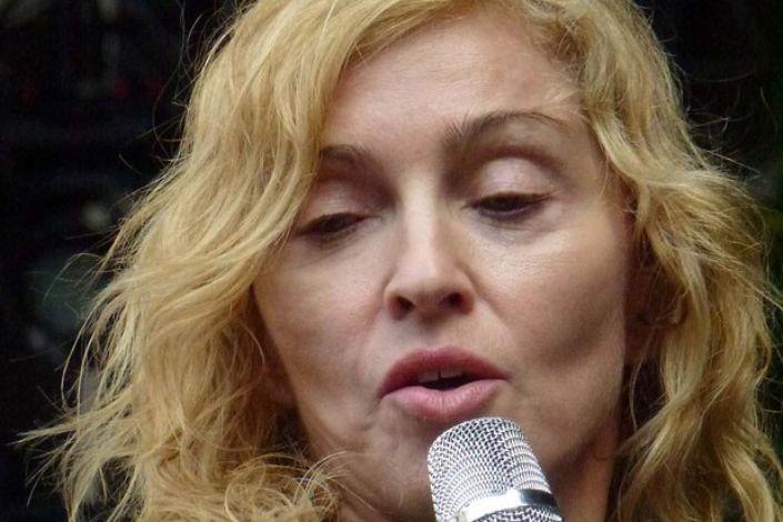 Madonna diz que Jesus apoiaria aborto e quer discutir o tema com o papa