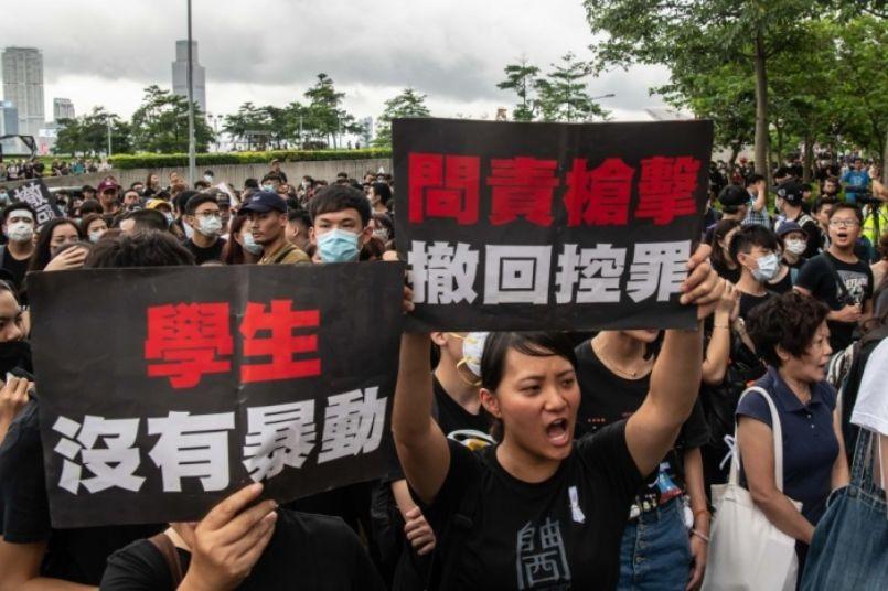 Hong Kong: 2 milhões cantam hino cristão em protesto contra o governo