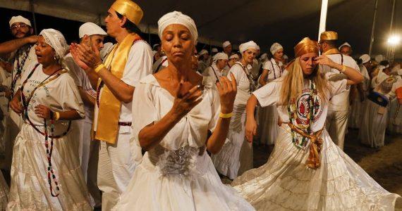 Ex-atriz da Globo acusa cantor evangélico de preconceito religioso; Entenda