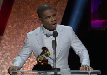 """""""Jesus é o Rei"""", prega Kirk Franklin ao receber prêmio no Grammy 2020"""