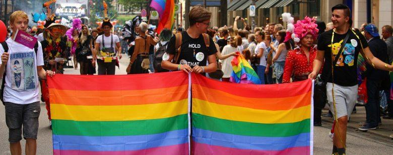 """Ativismo LGBT pressiona Igreja pelo reconhecimento do """"casamento gay"""""""